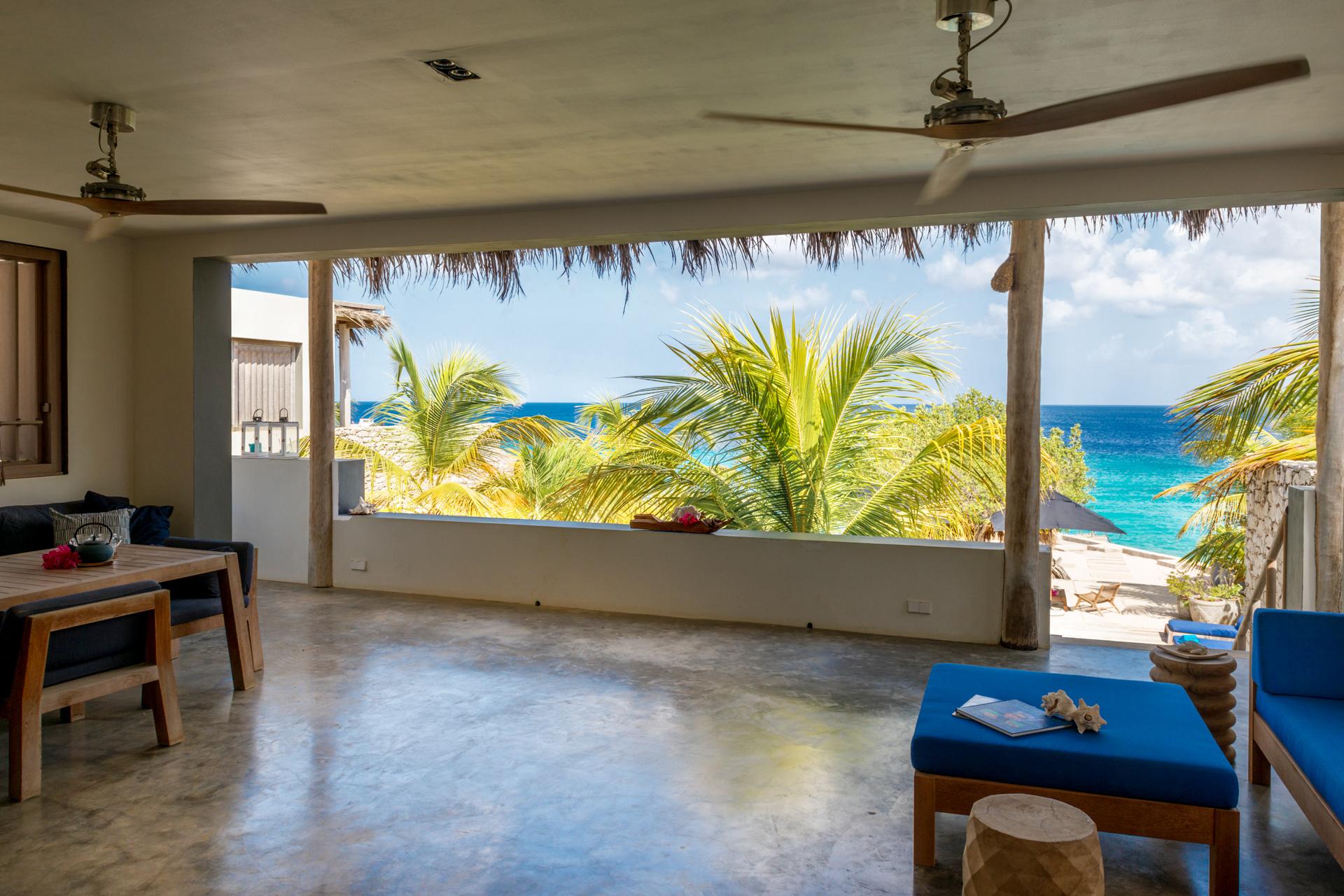 Piet Boon Eetkamer.Beach House Piet Boon Vakantie Verhuur Bonaire Oceanfront Villas